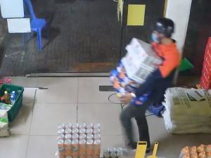 Đột nhập trộm bia ở Bách Hóa Xanh bị xử lý thế nào theo quy định?