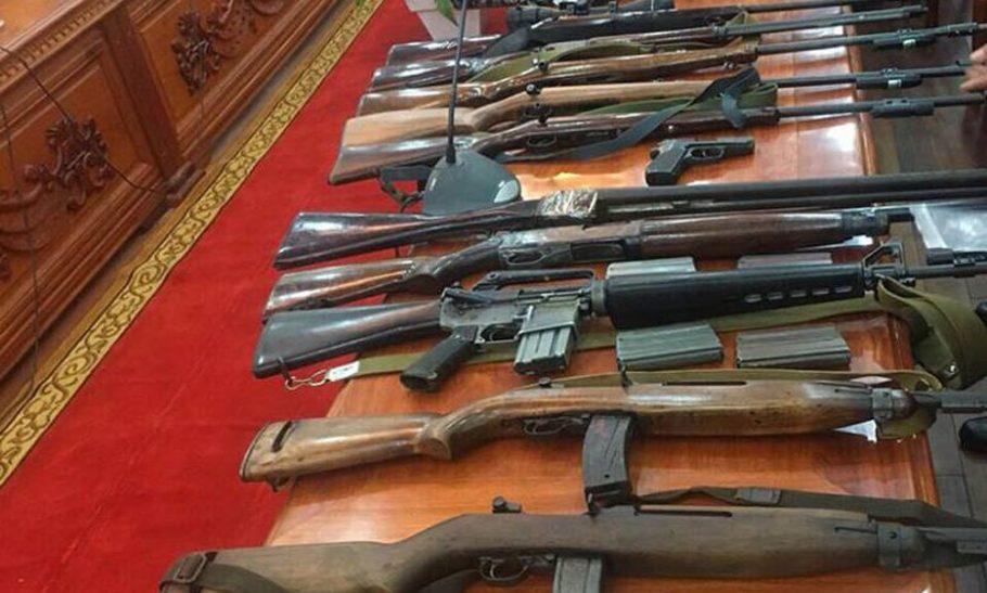 Tàng trữ vũ khí quân dụng trái phép bị phạt bao nhiêu năm tù?