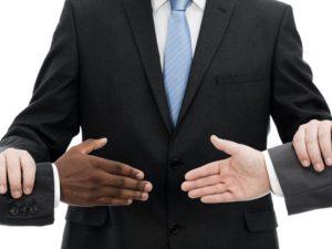 Có bắt buộc giải quyết tranh chấp thương mại bằng Trọng tài?